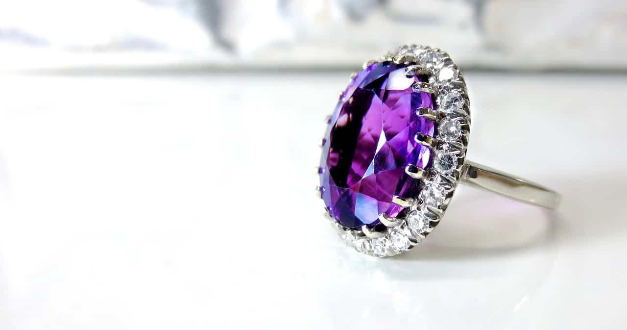 יהלום סגול